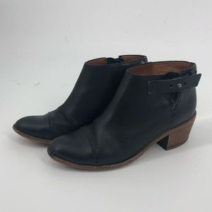 Madewell black ankle booties 7.5